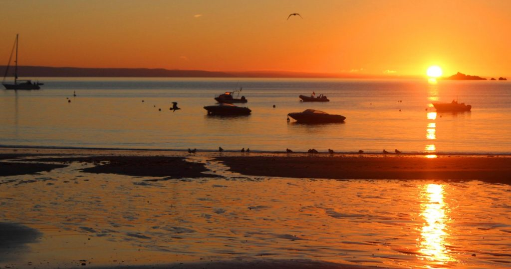 Gorran Haven sunrise Photograph copyright and courtesy of L.A. Kent